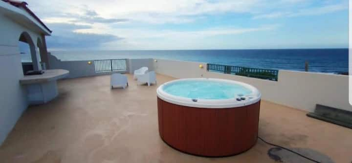 OFS J 302 - Panoramic Suite/ Ocean Front Suite