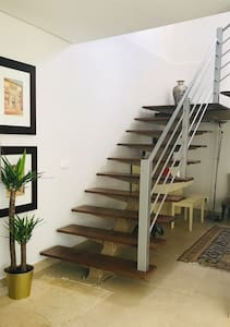 120cm wife and naturally lit staircase