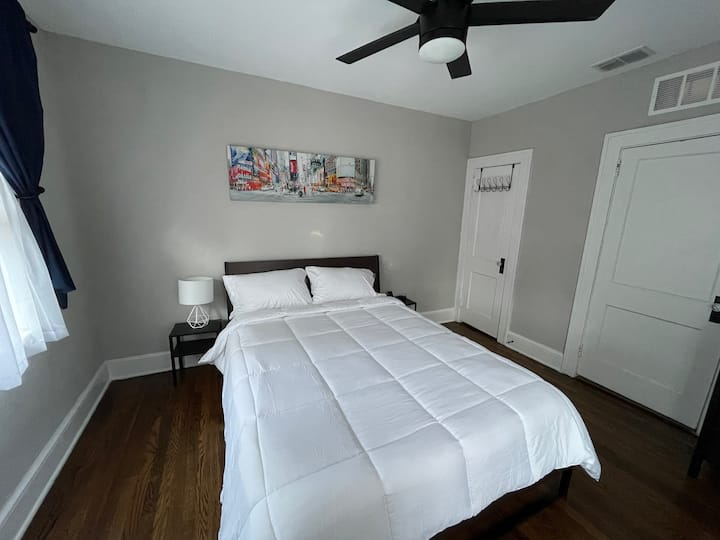 1 Bedroom with private Bathroom - Room #3 of 3