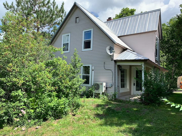 Country cottage in beautiful Elgin NB