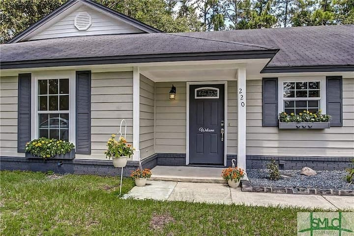 Big, family-friendly home; 10 minutes to downtown!