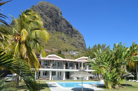 Updated Studio Apartment In Lovely Villa, Le Morne