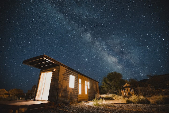 Luxury Tiny Home near Capitol Reef