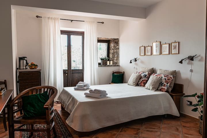 This is an amazing place to stay during a holiday on Sicily. We stayed here for 4 nights during a two week holiday on the Italian island, but I think this place is also suitable for longer stays.