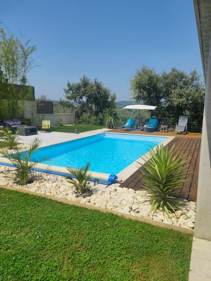 Villa avec piscine privée à Mirabel aux Baronnies