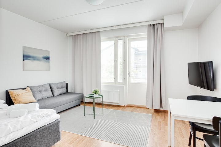 Studio Apartment with a Sauna and a Parking Spot