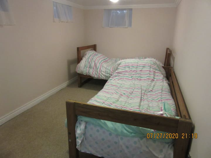It is quiet and relaxing, and clean. 2 beds