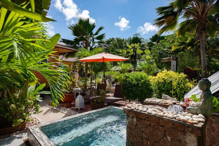 Oceane L'Union Villa with garden view