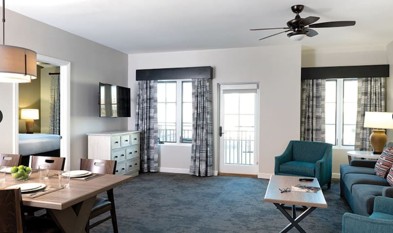 The Lone Star state experience! 2 BD Condo