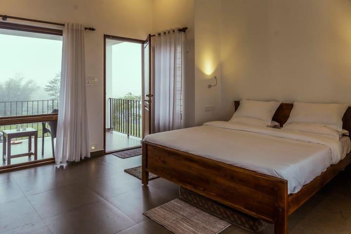 Sylvan Retreat, Vagamon Home with a View