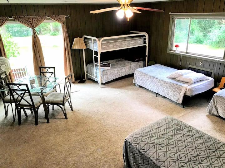 International Hostel Room, Bed #1