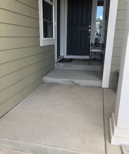 Long steps for easy access and for wheel chair convenience if necessary.