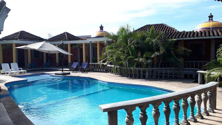 Casa para 26 en Hacienda La Alhaja