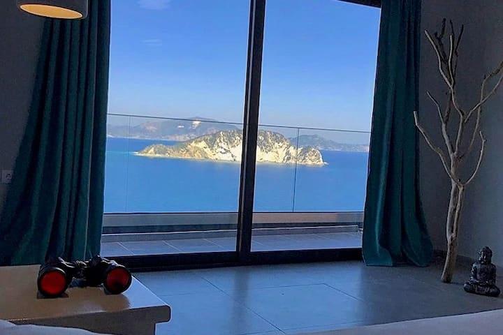 Marathias Bay View Suite 1