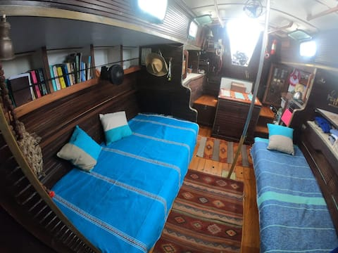 Live aboard our Sailing Boat