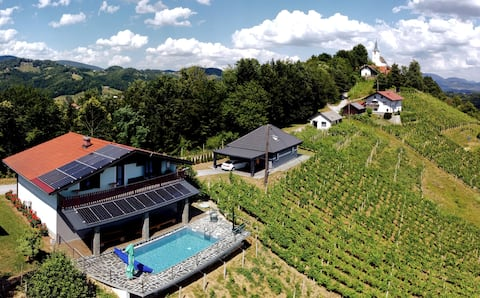 Vineyard apartments Luxury with privat pool