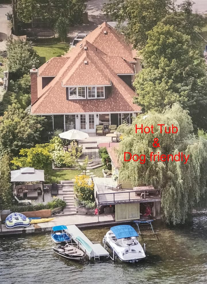 Charming Waterfront Home Cottage on Lake Simcoe