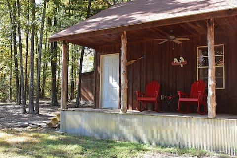 Buffalo Bender Cabin - Romantic River Getaway
