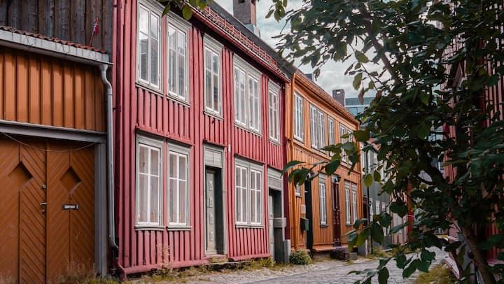 Gammelsdagshuset 50m torget | 2 soverom,parkering