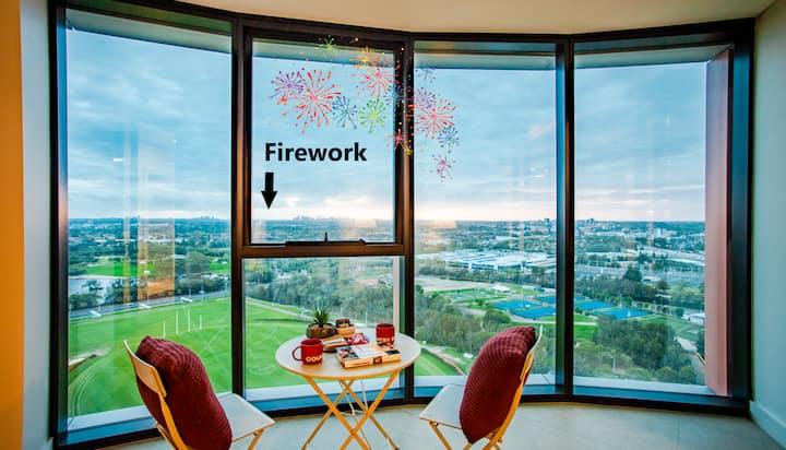 HOAMA -   Watch 2021 NYE Firework from Balcony