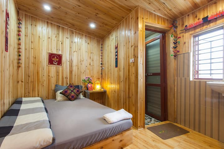 Private room in Sapa Central -Little View Homestay