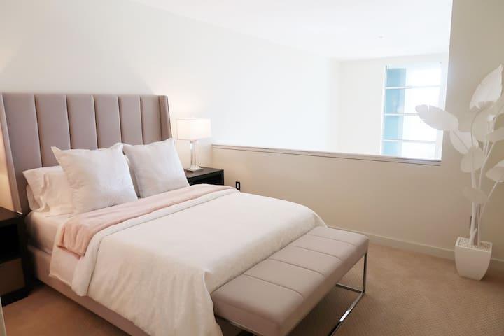 Owners Suite Queen Bed