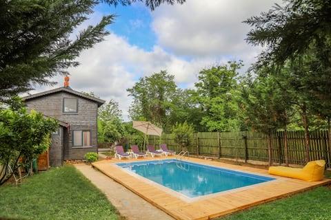 Vakantievilla aan de Rivier met zwembad - Ağva