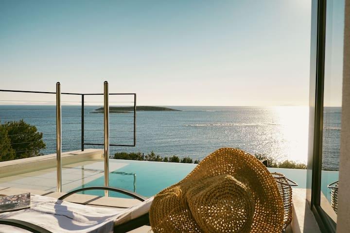 180° Sea View Private House Vis Island archipelago