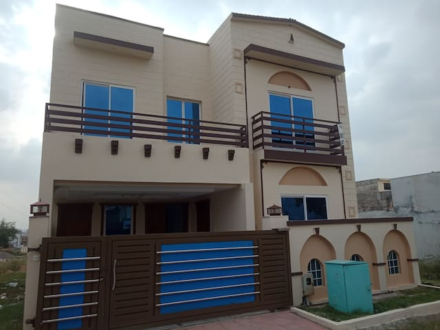 Bahria Town Phase 8 Usman Block 3-Bed Attached