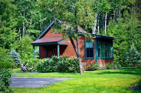 Cozy Cottage-Near Harbor & Park
