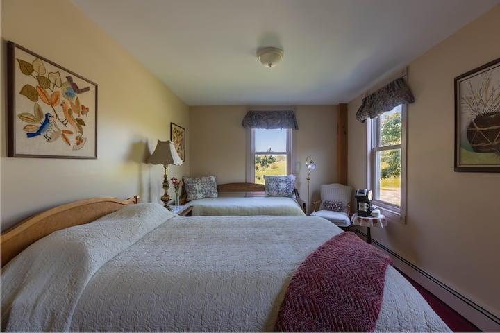 Maple Hill Farm Inn, Room 7, 1st Floor, Breakfast!