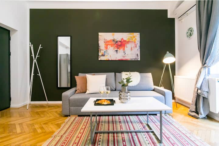 THE SUNNY | Homelike Central Apartment