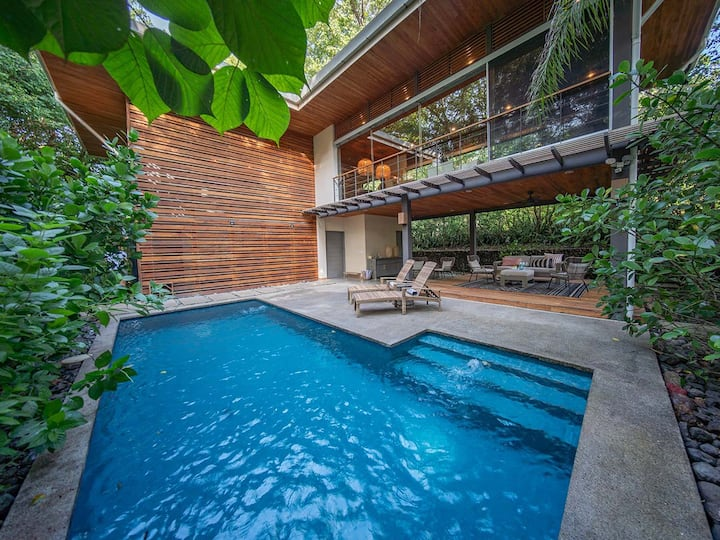 Beautifully designed home w/pool close to beach
