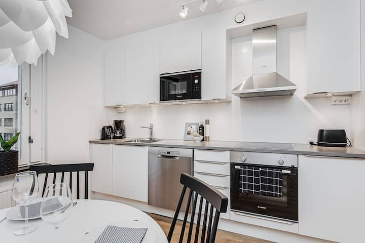 RENOVATED APARTMENT - IN GREAT, CENTRAL LOCATION!