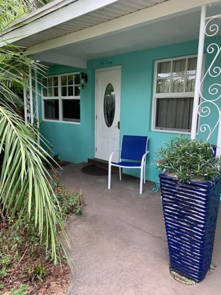 Pool @ Pairadice Palms