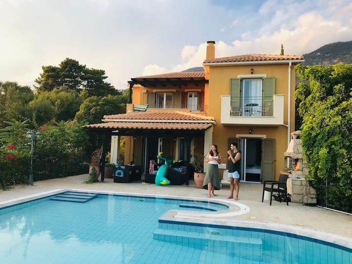 Beautiful recently renovated Villa Manoli