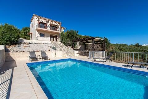 Private pool★Sea view★Cretan style villa