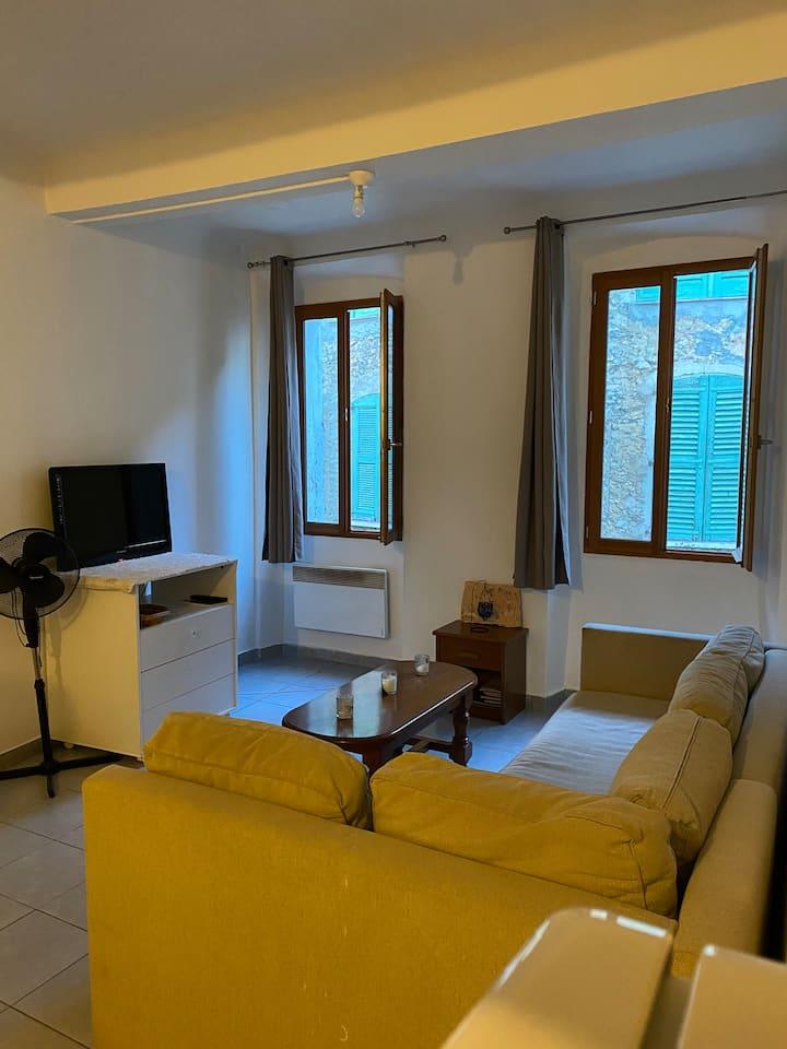 Joli appartement T2 , 6 pers ,au cœur du village