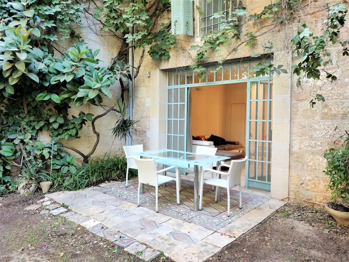 Rare 4BD Mansion with Garden Steps from Old City