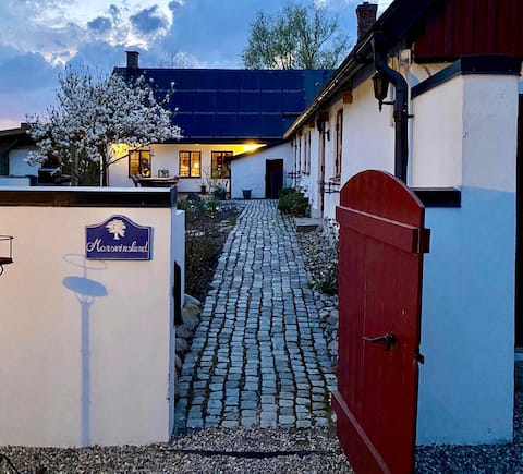 Lantligt boende nära två slott, 9km från Ystad