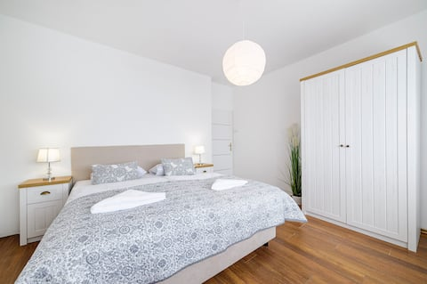 Standard King Room with king size bed 16