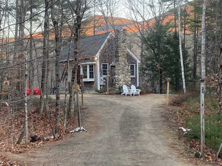 Private 1.7 acres w/ Stone Fireplace In White Mtns