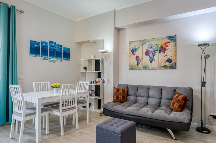 Stunning Flat by the Sea and the Airport