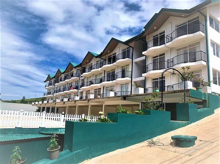 Lake Infinity Residence Luxury Condo