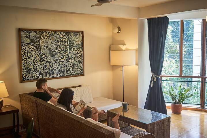 YK Art House Bright Apartment