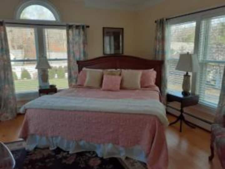The Victoria Inn /Hydrangea Suite