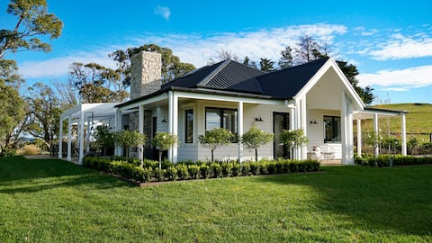 Luxury Country Escape at Colyersdale Cottage