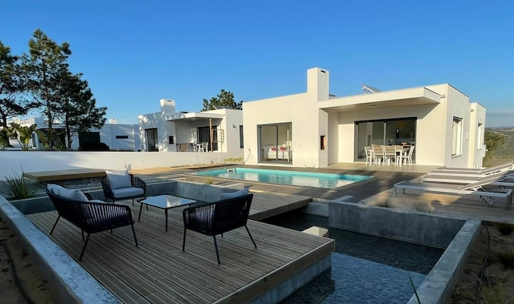 Cairnvillas: Mar - Luxury Villa with Private Pool