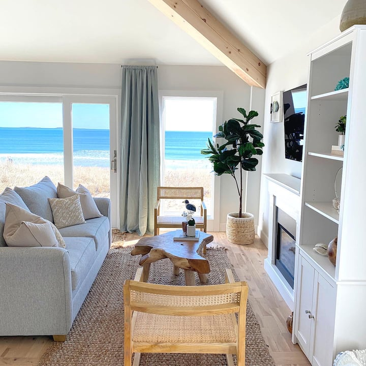 """""""Oceanfront Family Cottage"""" NEW!"""