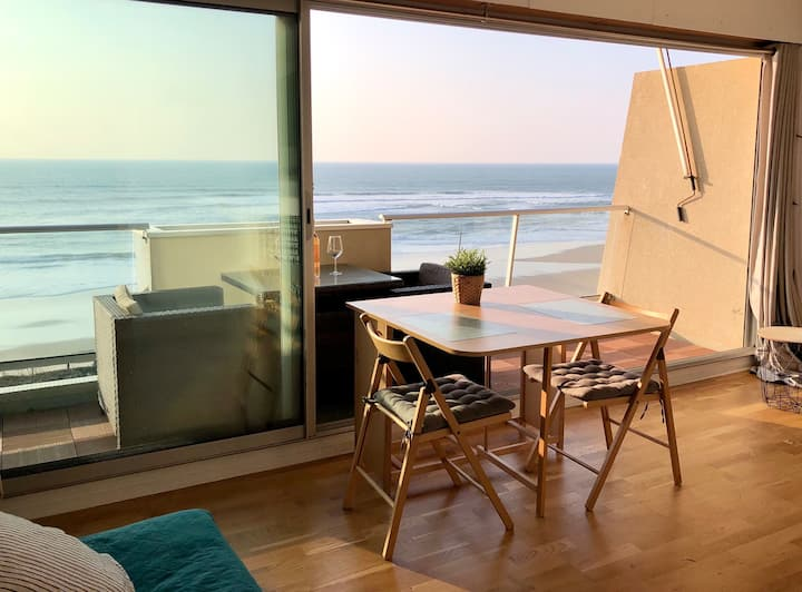 Beautiful apartment with ocean view.
